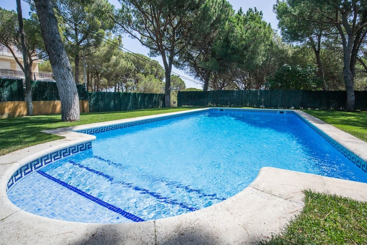 Apart. 300 metres from Pals beach with swimming pool (OT 2H 602)