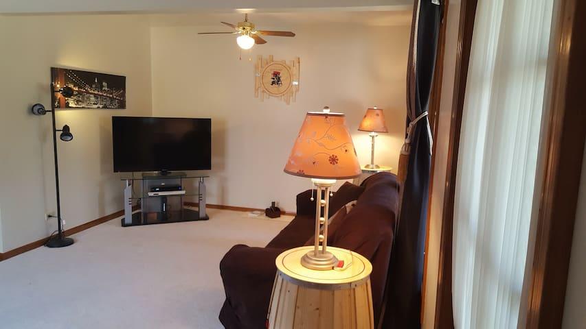 Comfy Quarters - River Grove - Rumah