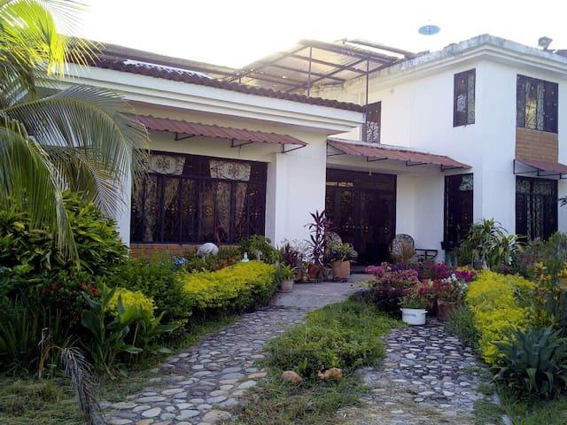 Habitacion familiar 4 personas - Neiva - Casa