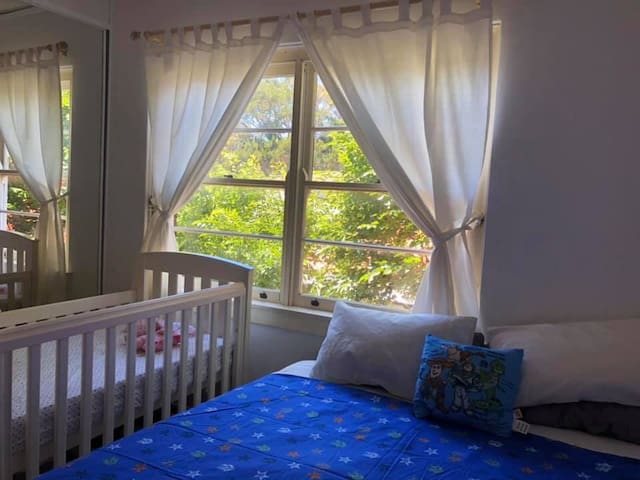 Family friendly Rose Bay apartment