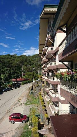 Garry's Townhouse - Baguio - Pis