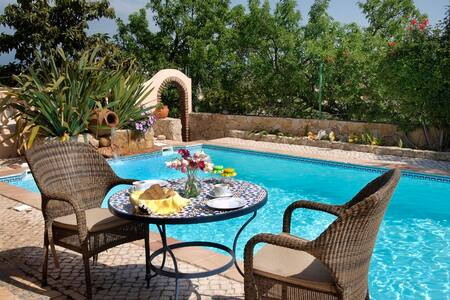 Lagos - Breakfast on the Pool! - Llacs