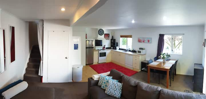 Central cozy house - 10 min walk to town