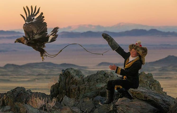 Golden Eagle Festival - BOOK NOW!!! - Ulgii - Jurta
