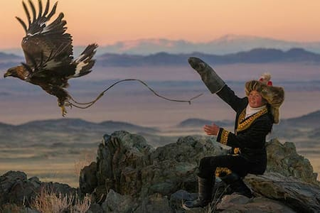 Golden Eagle Festival - BOOK NOW!!! - Ulgii - Rundzelt