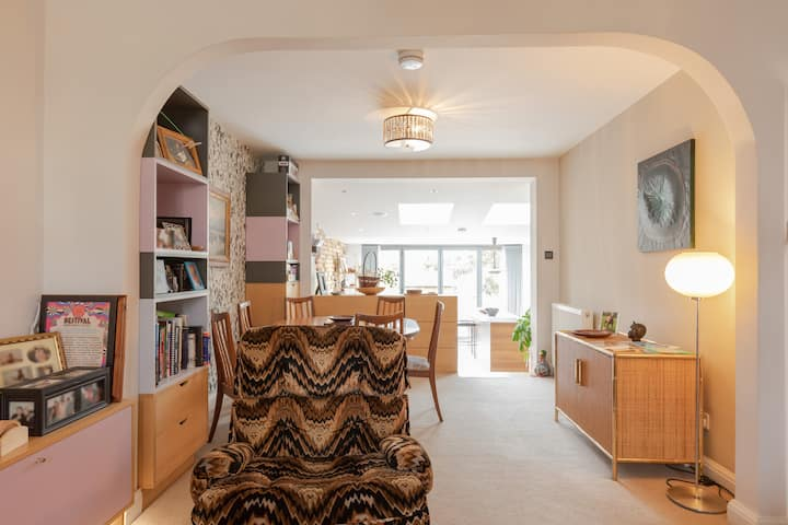 Cosy House, London/Surrey, Work, Relax or Explore