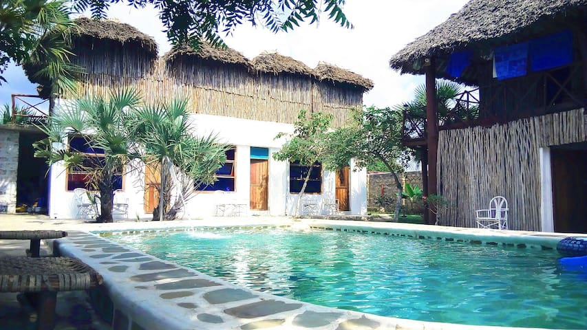 Diani beach Double room  With private bathroom.