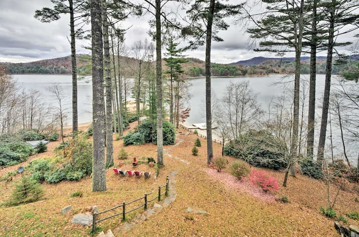 Lakefront Home w/ Private Dock, Beach, Pool Table!