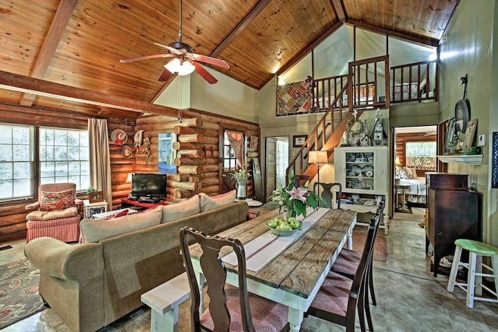 Quaint Clinton Cabin on 3 Acres w/Countryside View