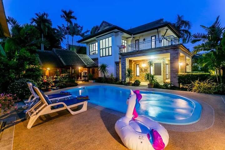 private pool villa luno 30