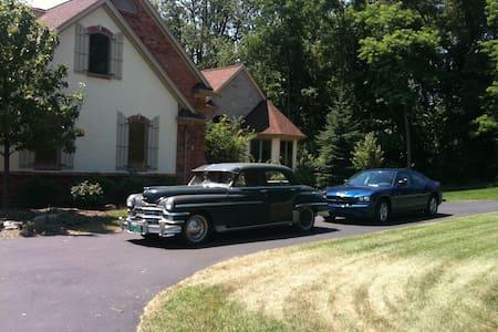 Suburban Detroit Retreat - Oxford Charter Township - Ház