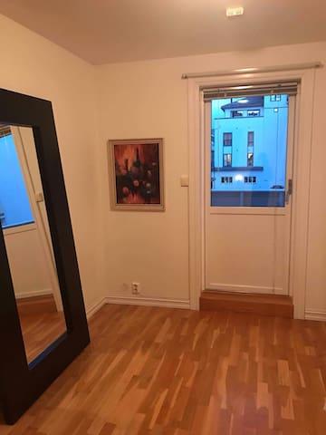 Stor flott leilighet midt i Voss Sentrum - Voss - Apartemen