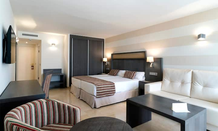 MS Aguamarina Suites, Junior Suite