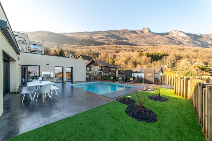 Villa design et moderne avec vue sur le LAC