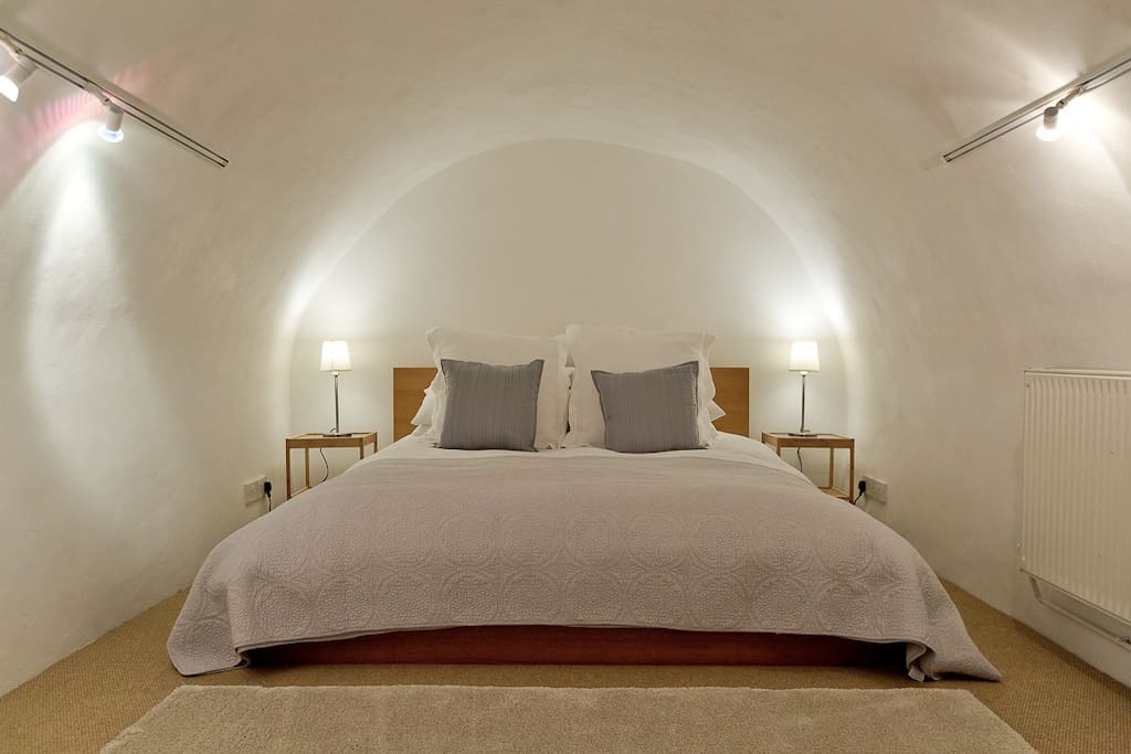 Kingsize bed in vault