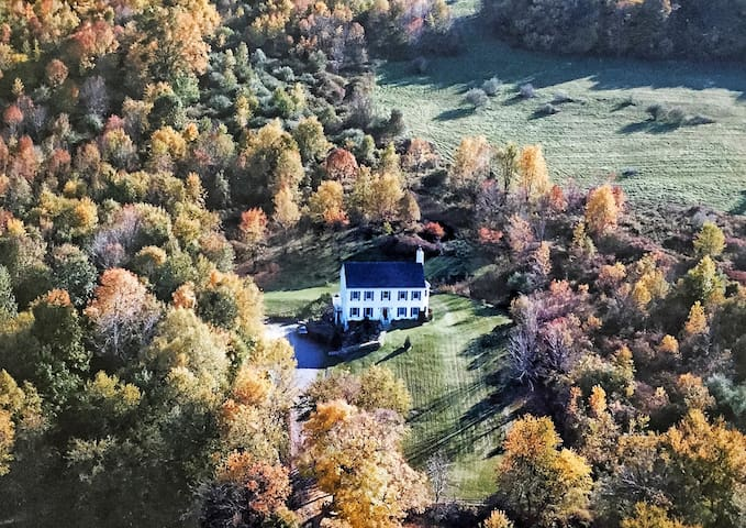 The Lair in the Woods 🐎 - Whole House
