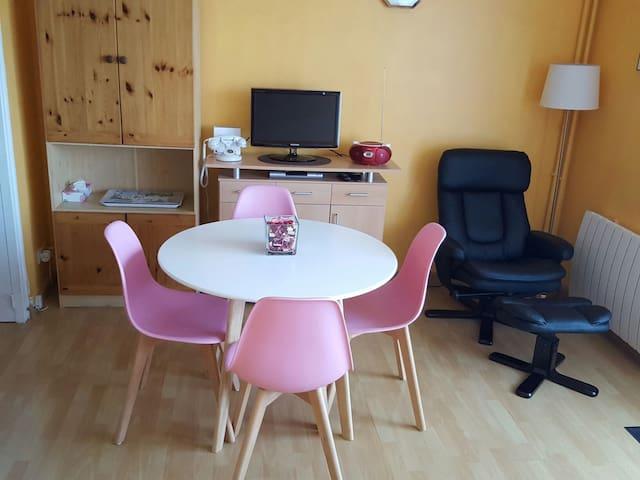 Agréable studio proche centre ville - Rochefort - Appartement