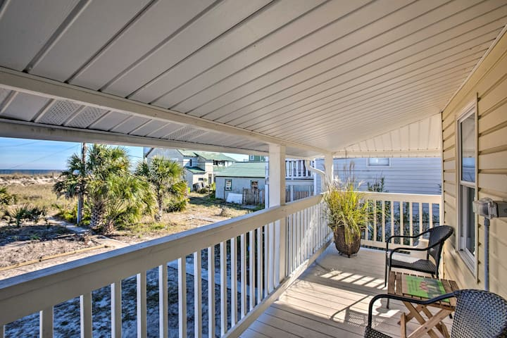 This Fernandina Beach vacation rental offers 2 bedrooms and 1 bathroom.