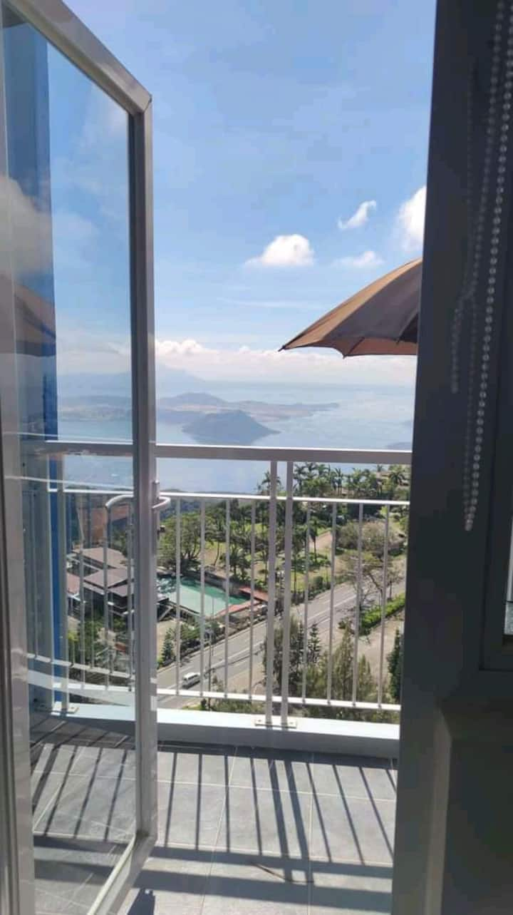 Tagaytay staycation Taal View