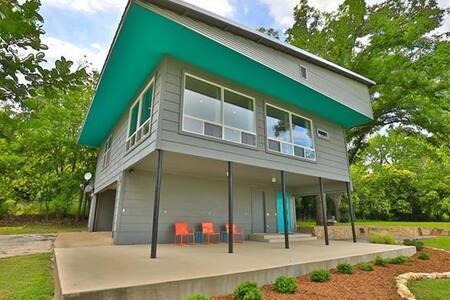 Mid Century Modern Loft   House
