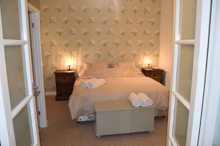 Lamorna Court Bed & Breakfast