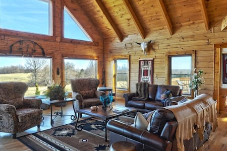 Luxury Lodge on Buffalo Ranch - Cottage