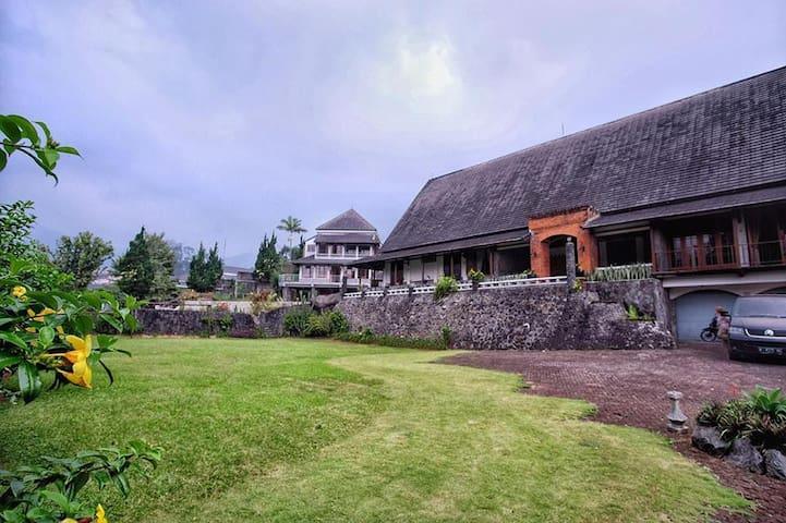Villa Puncak 3BR w/ Breathtaking View