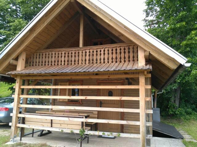Cabin near mountain - Zirovnica - Hytte