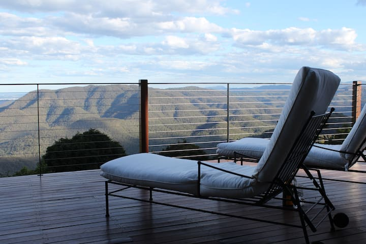 EXHALE 1: Spectacular Views on the Mountain's Edge - Tamborine Mountain - Apartment