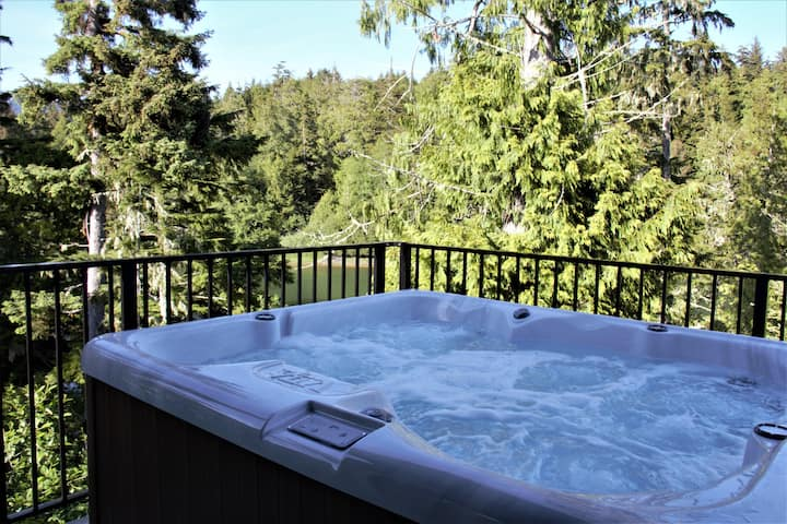 Hot Tub / Oceanfront - Storm Bay Cottage