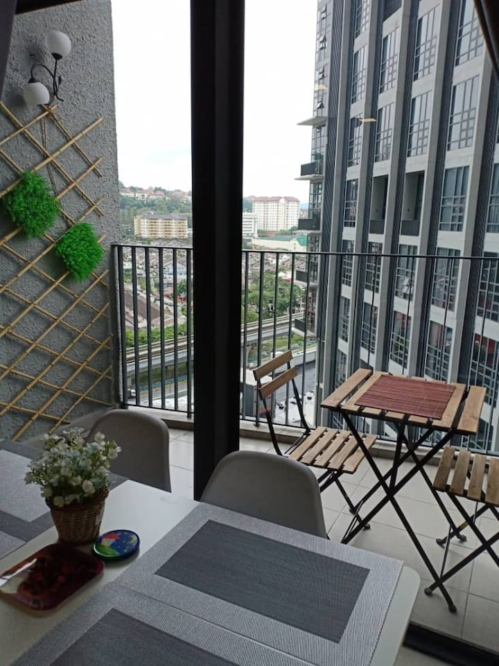 EkoCheras With Balcony Full Furnished Nr MRT Nice!