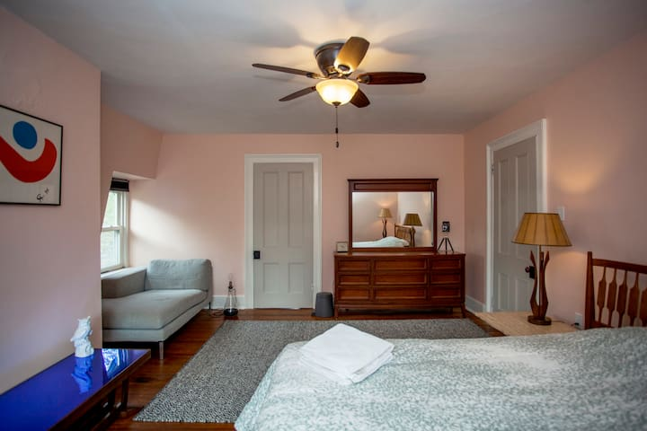 The Rosemond Room at Sweetwood Inn - Newburgh - Bed & Breakfast