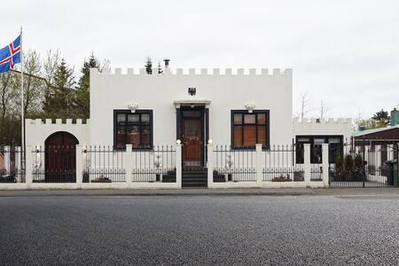 Little White Castle Studio 1