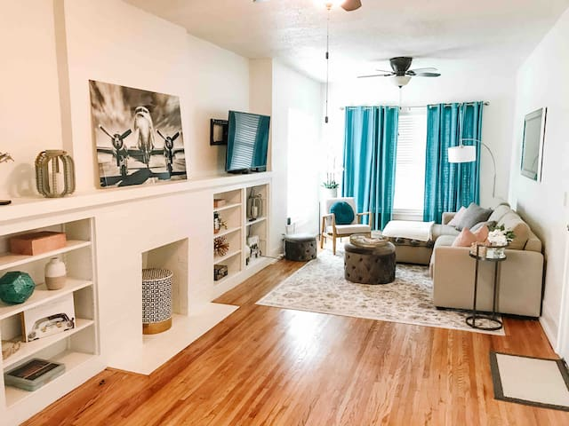 Tulsa Chic, Downtown Suite Near BOK and OSU Med