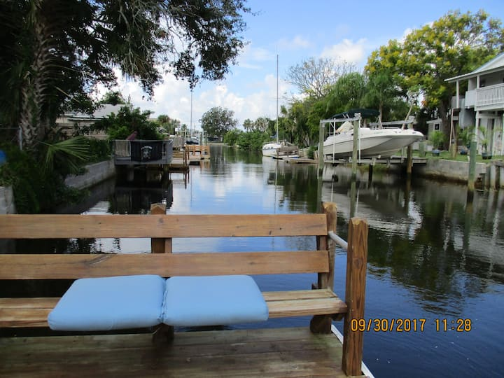 Water front,  pet friendly. NEWLY RENOVATED