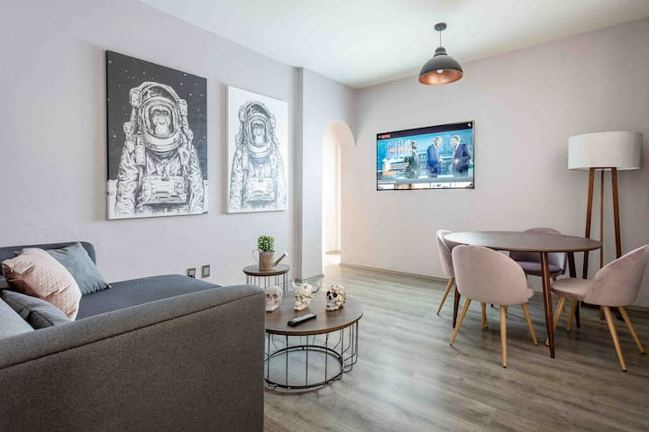 Discover Condesa - Roma in Modern 2BR Apartment