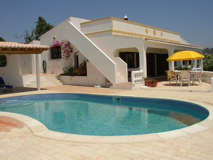 Casa Tomilhos - peace, a pool and stunning views