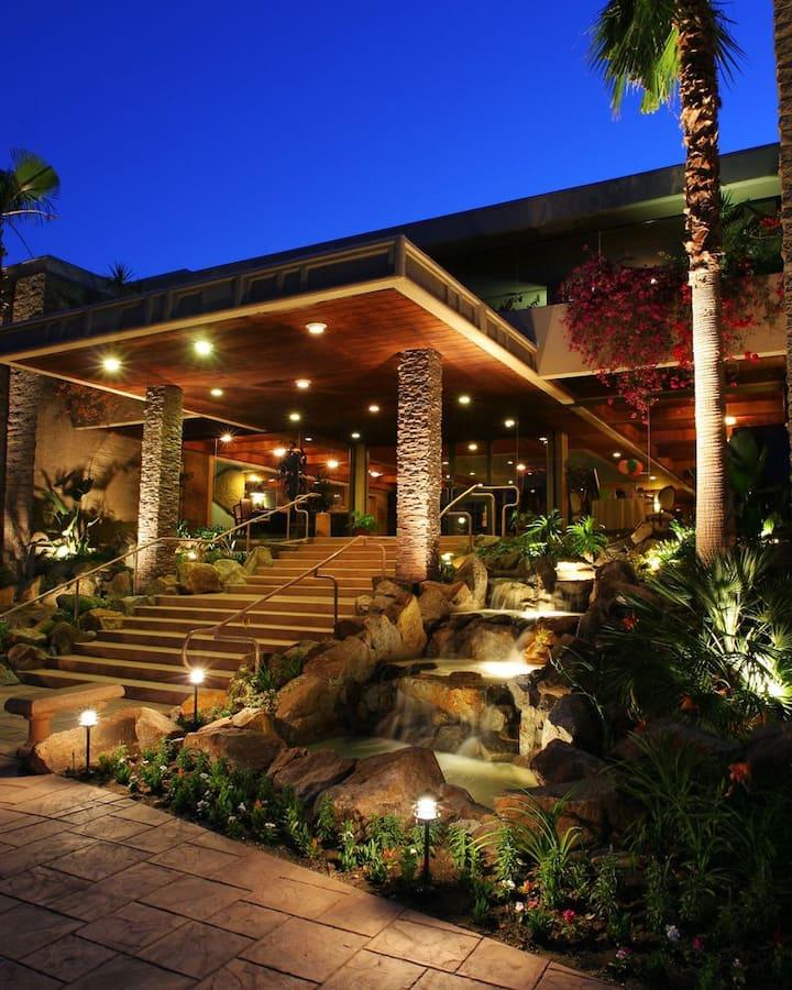 Palm Springs Tennis Club Luxury Resort 4.5 of 5 *