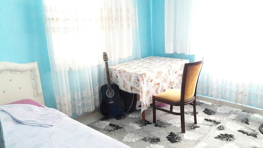 Peaceful room, Cheap Price, Next to Airport