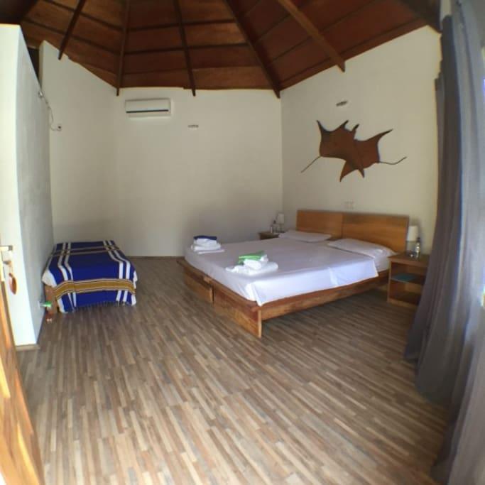 Manta Room