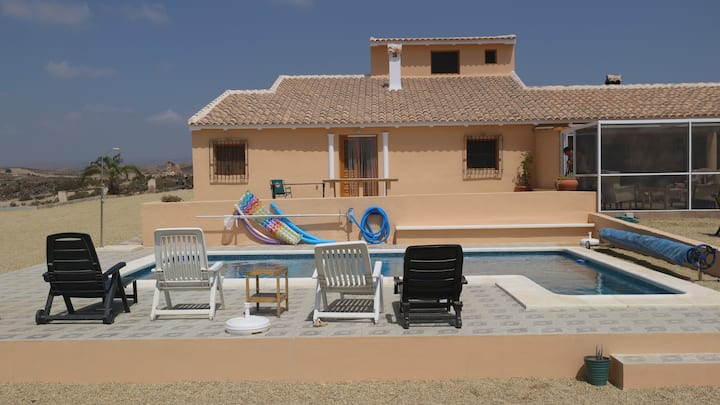 Casa Paz - Idyllic setting with 8m x 4m pool