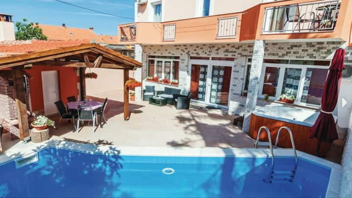 Vila Marij swimming pool,jacuzzi,sauna,billards,dr
