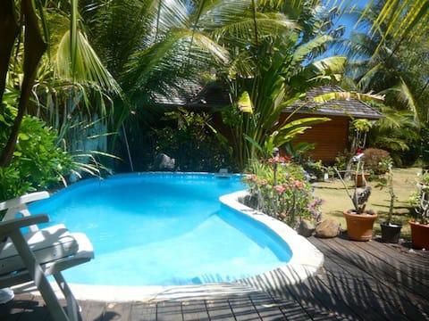 Bungalow cosy avec piscine au pied des plages