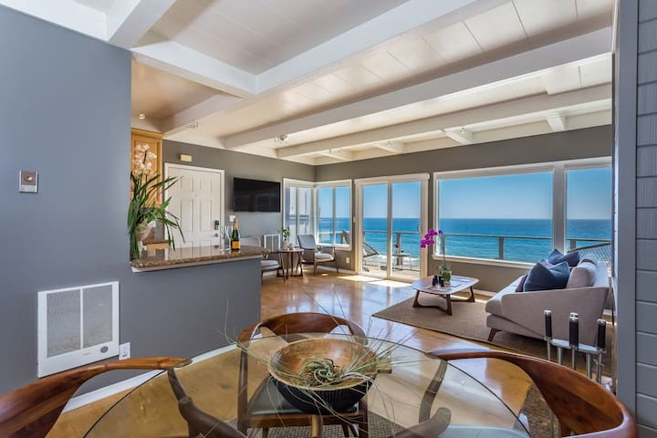 Pristine Malibu Home On Private Beach - Ocean Front W/Spectacular Views!