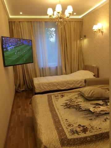 Вторая спальня с телевизором и от 1 до 3 спальных мест.