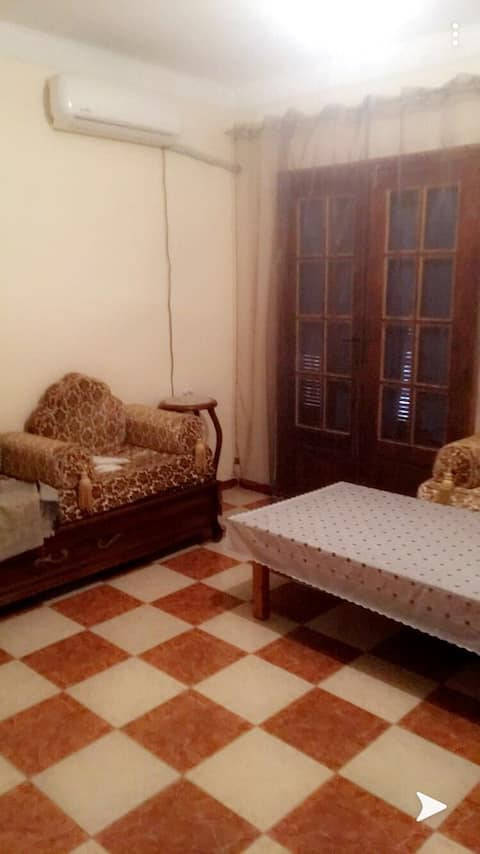 Grande chambre climatisé,propre, pour un séjour