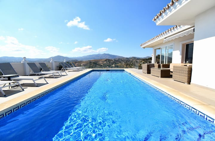 6 Bedroom Villa with Pool Mijas Golf