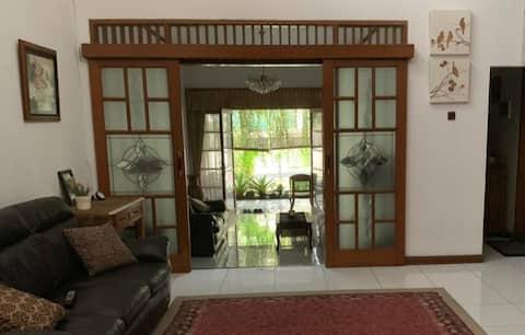 Rumah Eyang Mamah, feel like home +Breakfast