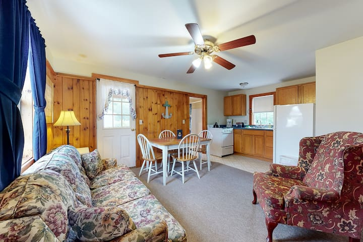 New listing! Simple cottage w/ porch - steps to restaurants!