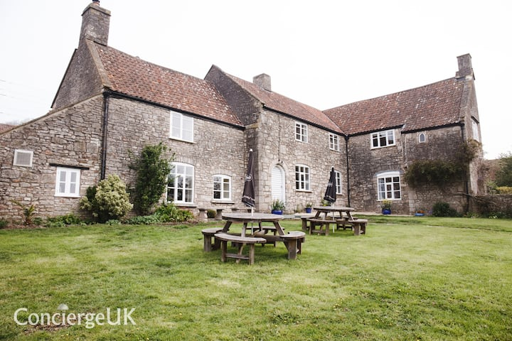 Butcombe Farmhouse, Ideal for large group bookings